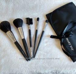 Коллекция профессиональных кистей для макияжа Mary Kay