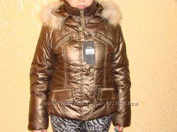 Теплая женская курточка с капюшоном новая, в наличии размер 46, 48,