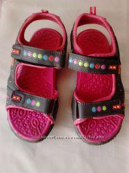 Продаю сандали в отличном состоянии, размер - 30, 19см