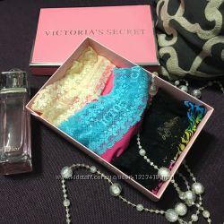 Комплект трусиков Lace Trim Thong от Victoria&acutes Secret