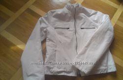 Куртка р. 12 белая состояние очень хорошее хорошо стираеться
