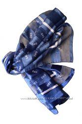 Красивый платок 100 на 100см с надписью D&G