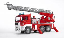 Брудер пожарный грузовик с лестницей М116 Bruder 02771