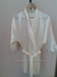 Свадебный атласный халат невесты