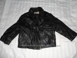 продам кожаную в отличном состоянии куртку на мальчика 4-5л cherokee