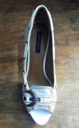 Чудові туфлі zara