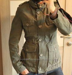 Стильная демисезонная куртка  H&M