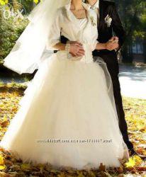 Продам ніжну весільну сукню