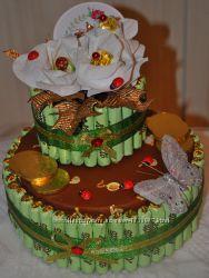 Двухслойный торт из конфет