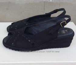 Кожаные сандалии босоножки Fasan 39 р.