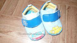 Новые фирменные пинеточи -ботиночки на ножку 9-9. 5см