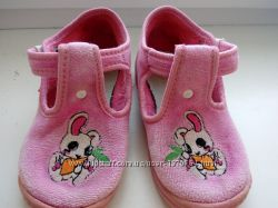 Текстильні велюрові тапочки - туфлі  для дівчинки фірми Зетпол