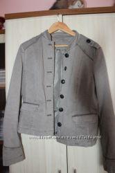 Піджак кольору хакі