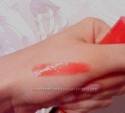Collistar бальзам для губ, сочного красного оттенка, не липкий, приятный