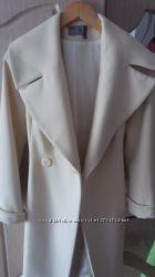 Красивое, женственное пальто