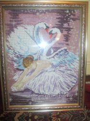 Картина вышита бисером Балерина и лебеди