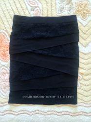 Элегантная черная юбка с гипюром Orsay, размер 36