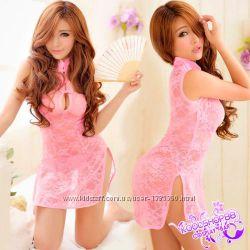 Кружевной розовый пеньюар с намеком на японской наряд