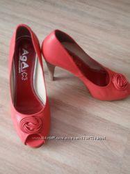 Продам туфли коралловые