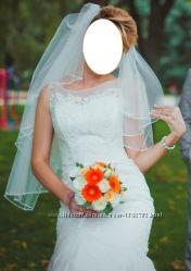 cвадебное платье цвета айвори.