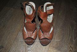 Кожаные коричневые босоножке каблук new look gorgeous 38