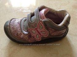 Кожаные короткие ботинки кроссовки на липучках Stride rite 23 р-ра 14. 5 см